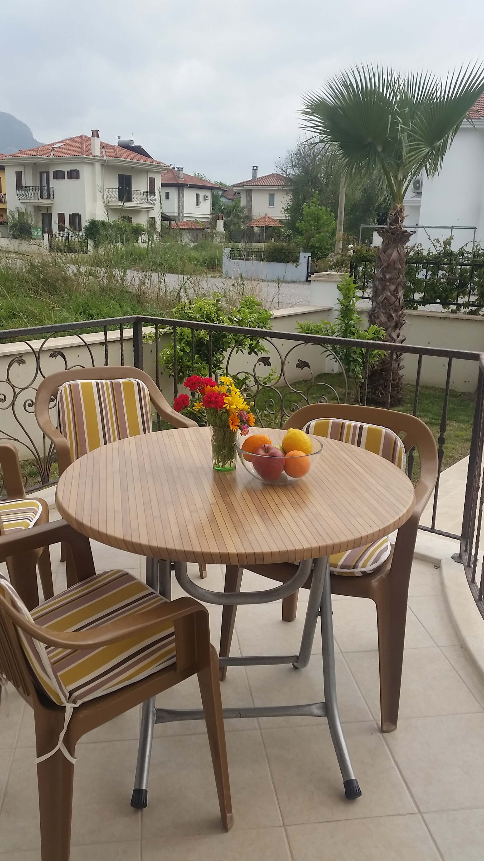 Terrace Table & Chairs